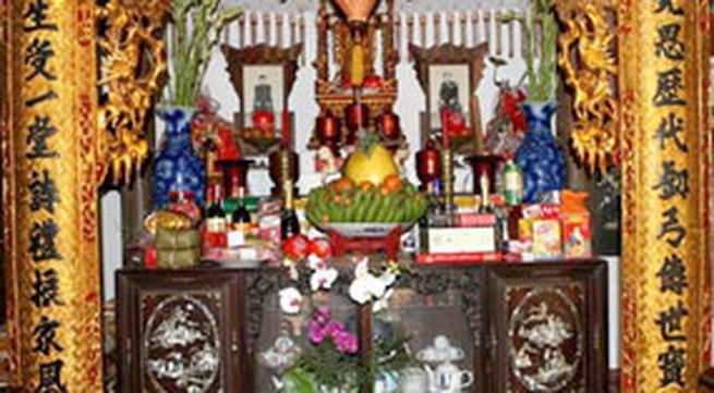 Trang trí bàn thờ gia tiên cúng Tết
