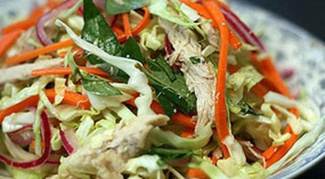 Món ngon ăn Tết: Nộm gà bắp cải