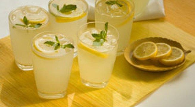 7 lợi ích của nước chanh với sức khỏe