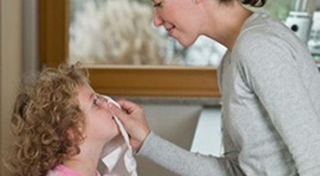 Xử lý khi bé bị ngạt mũi