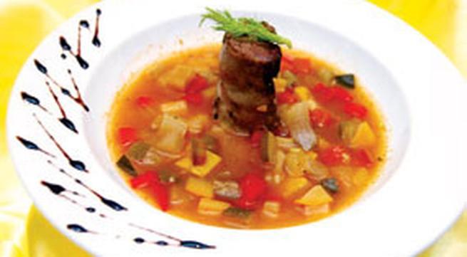 Bắp bò nấu mướp tây