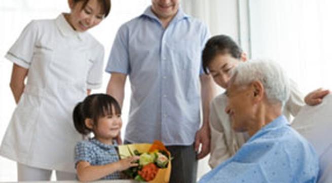 Mua quà gì khi đi thăm người ốm?