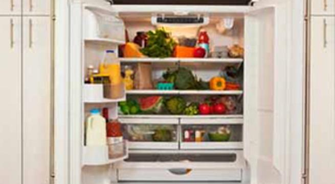 Mẹo khử mùi tủ lạnh cực hữu dụng