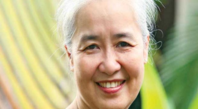 Nguyễn Dzoãn Cẩm Vân: Hạnh phúc là phụ nữ của gia đình