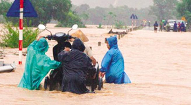 Quảng Bình: 50.000 hộ dân bị ngập lũ
