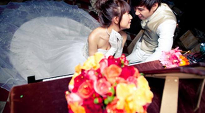 Lý Hải - Minh Hà khoe ảnh cưới