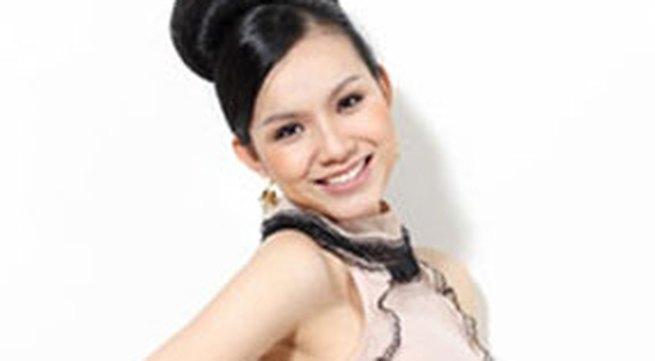 Hoa hậu Thùy Lâm 'nịnh' nhà chồng