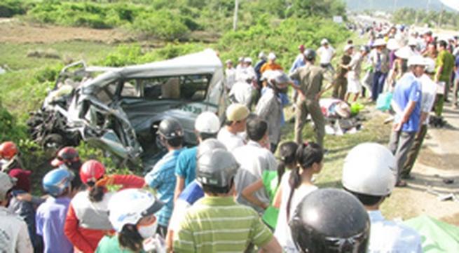 Tai nạn thảm khốc ở Khánh Hòa: Đã có 4 người tử vong