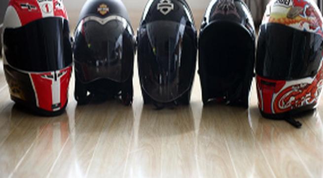 Mũ bảo hiểm giá hàng chục triệu ở Hà Nội