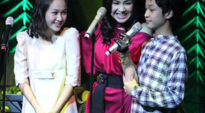 Con gái Thanh Lam xinh đẹp, hát hay
