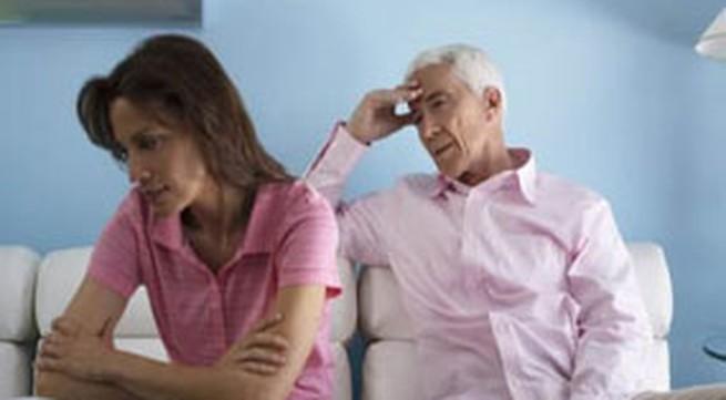 """Trong cơn say, """"mềm lòng"""" với bố chồng"""