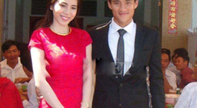 Công Vinh- Thủy Tiên đính hôn: Chuyện đáng khoe lại giấu