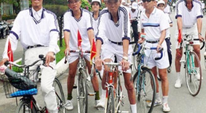 Đời sống vật chất người cao tuổi Việt Nam – thực trạng và khuyến nghị