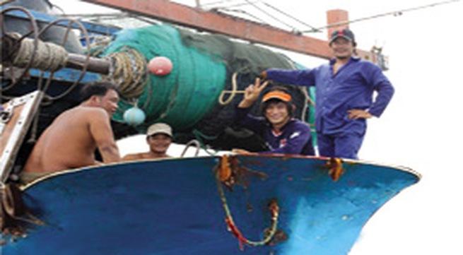 Ngư dân đón Tết trên biển