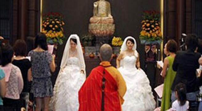 Đám cưới đồng tính gây xôn xao châu Á
