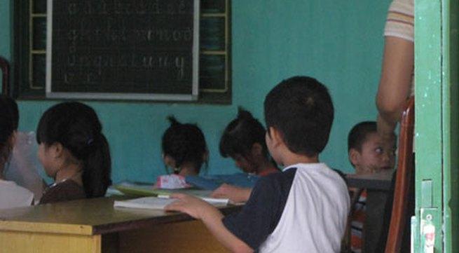 """Đề thi khó, trẻ phải học """"tiền lớp 1"""""""