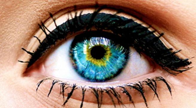 Kẻ eyeliner theo 6 cách khác nhau