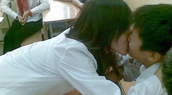 Hệ lụy đau lòng từ việc học trò yêu bạo dạn