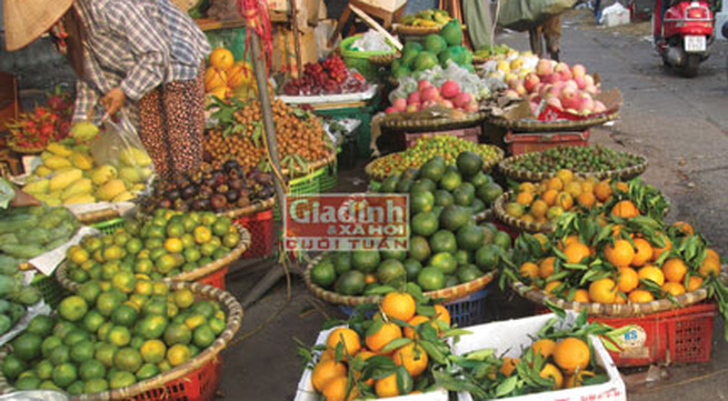 """Cam Trung Quốc """"đội lốt"""" hoa quả trong nước """"xâm chiếm"""" thị trường"""