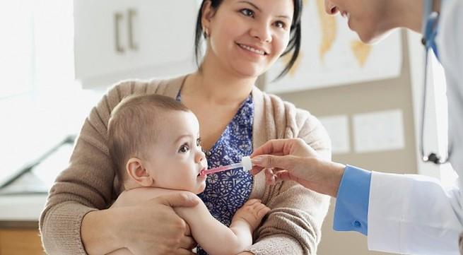 Kinh nghiệm các mẹ phải biết khi đưa bé đến gặp bác sĩ