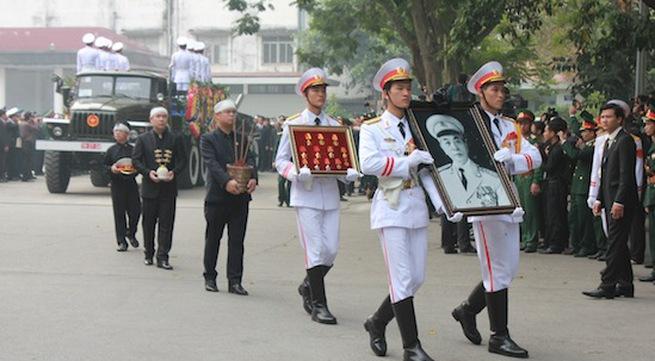 Hình ảnh linh cữu Đại tướng trên các tuyến phố Hà Nội