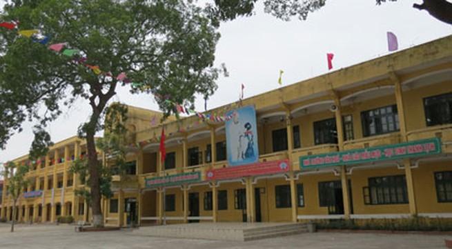 Gia Lâm, Hà Nội: Phá trường chuẩn quốc gia để xây trung tâm thương mại?