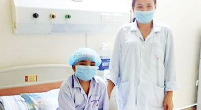 """Ghép tủy xương của hai chị em không cùng nhóm máu: """"Nếu giúp chị đỡ đau, con đồng ý ngay"""""""