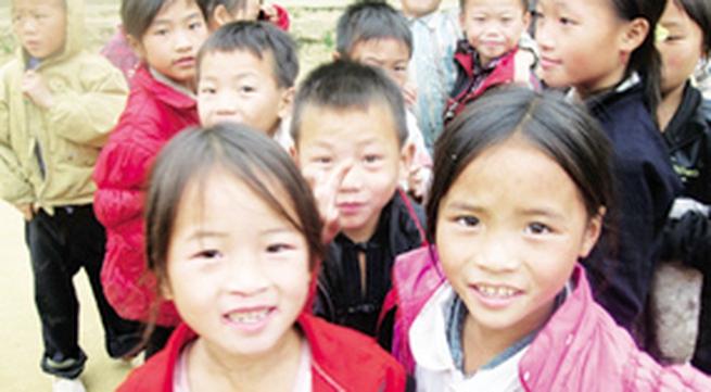 Hạn chế nạn tảo hôn, hôn nhân cận huyết (1): Lạ lùng phong tục kết hôn người Mông Xanh