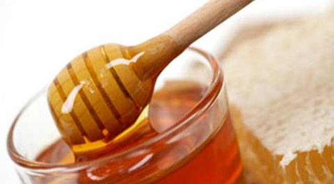 Không nên dùng mật ong điều trị nấm lưỡi
