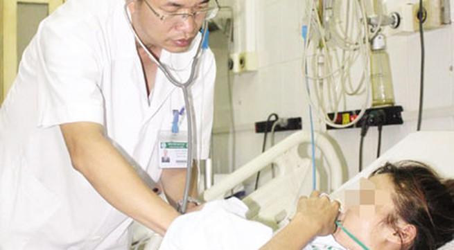Nghề y - nghề nguy hiểm (4): Bác sỹ tận tâm với bệnh nhân HIV