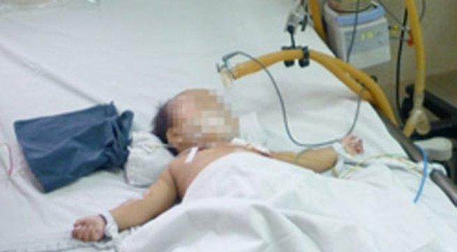 Đắng lòng hoàn cảnh bé 12 tháng tuổi bị mẹ bắt uống thuốc sâu