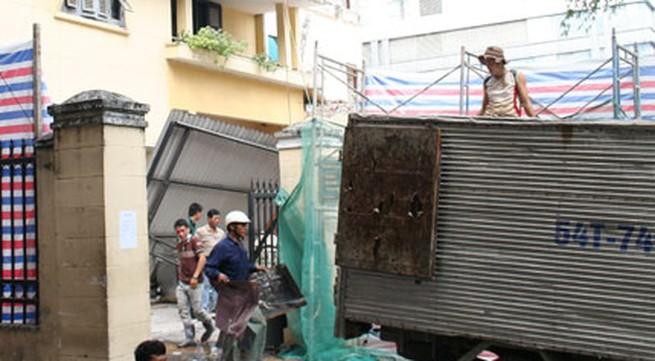 """Trụ sở Tòa án bị sụp do """"hố tử thần"""" ở TP HCM: Quan tòa đi lánh nạn, dỡ trụ sở cũ"""