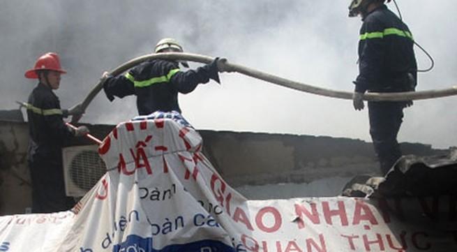 Nhà 2 tầng cháy dữ dội, 3 trẻ đang ngủ say thoát chết