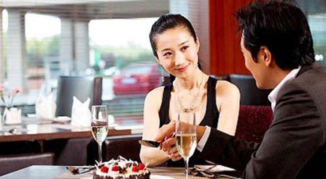 Phụ nữ thông minh cần gì lấy chồng sớm?