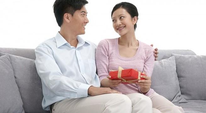 Ứa nước mắt với món quà muộn của vợ