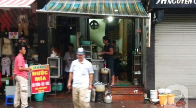Ấm bụng bát bún dọc mùng ngon, rẻ phố Nguyễn Cao