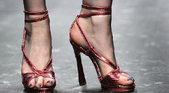 Tác hại của giày cao gót