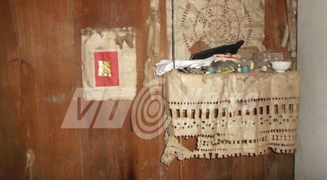 Tục mai táng kỳ bí của người Mông trên đỉnh Hồng Ngài