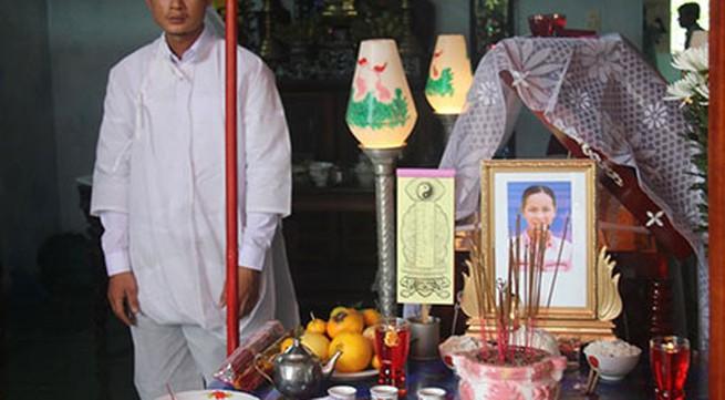 Đau thương trong đám tang nữ phóng viên thiệt mạng do bão