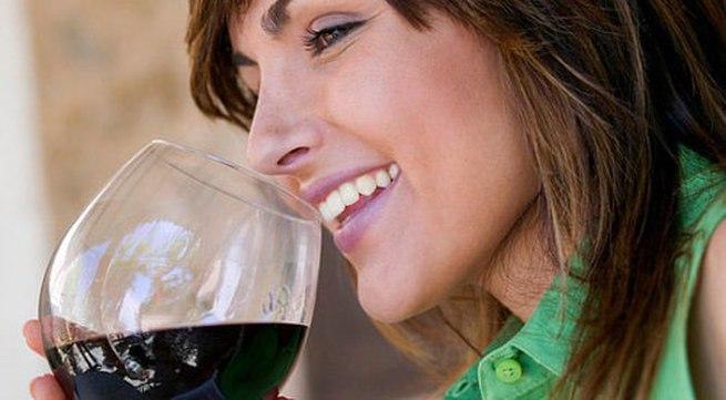 7 lý do nên uống một ly rượu vang mỗi ngày