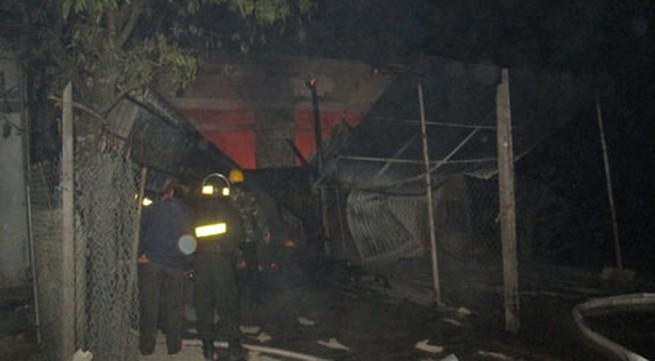 Cửa hàng gas cháy nổ, đổ sập trong đêm Noel