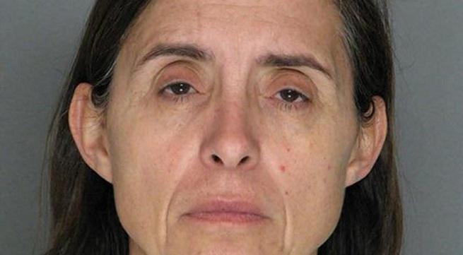 Bị vợ đâm chết khi đang xem phim khiêu dâm trẻ em