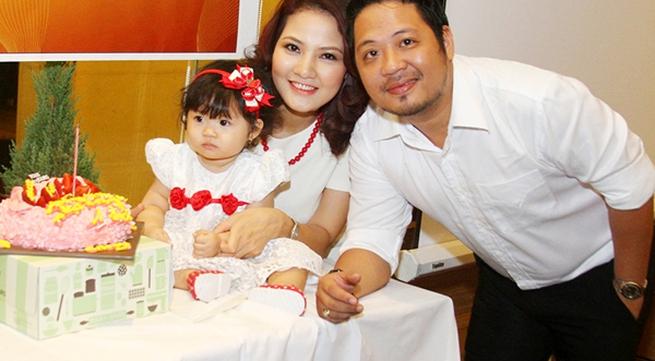 Lễ thôi nôi ấm cúng của con gái HH Trần Thị Quỳnh