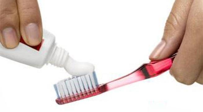 Lười đánh răng có thể bị viêm màng não