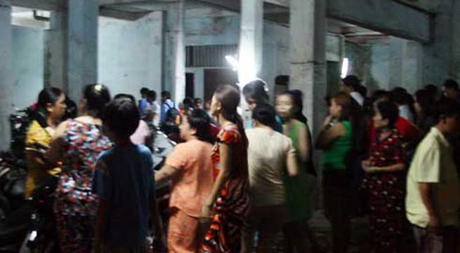 Một phụ nữ rơi từ chung cư hoang giữa Sài Gòn