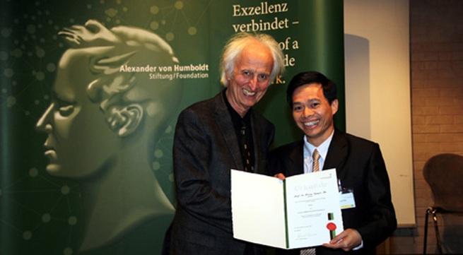 Người Việt Nam đầu tiên nhận giải thưởng của Quỹ Alexander von Humboldt