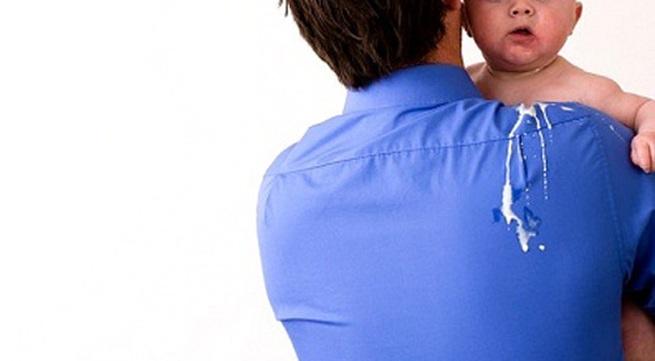 Bé bị nôn: những dấu hiệu bình thường và bất bình thường