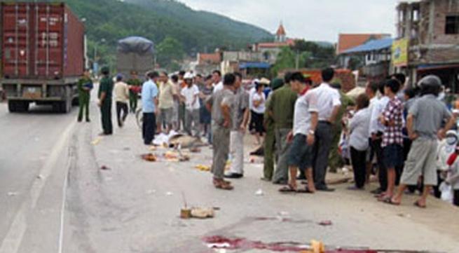 Tang thương phố nhỏ sau cái chết của 4 nữ sinh