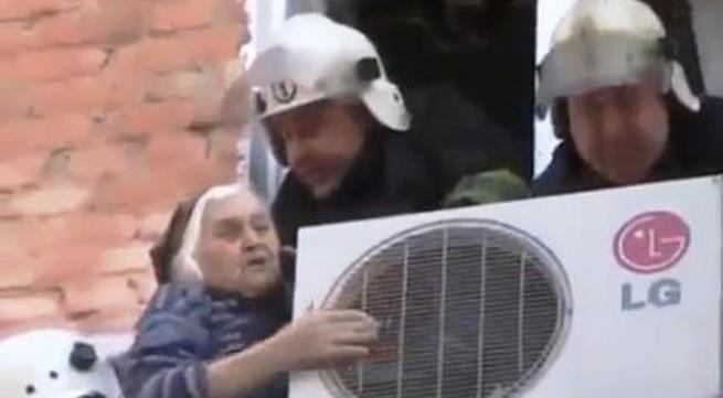 Cụ bà 97 tuổi may mắn thoát chết khi rơi từ tầng 4