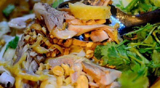 Các món trộn ngon tuyệt giá dưới 30.000 đồng tại Hà Nội